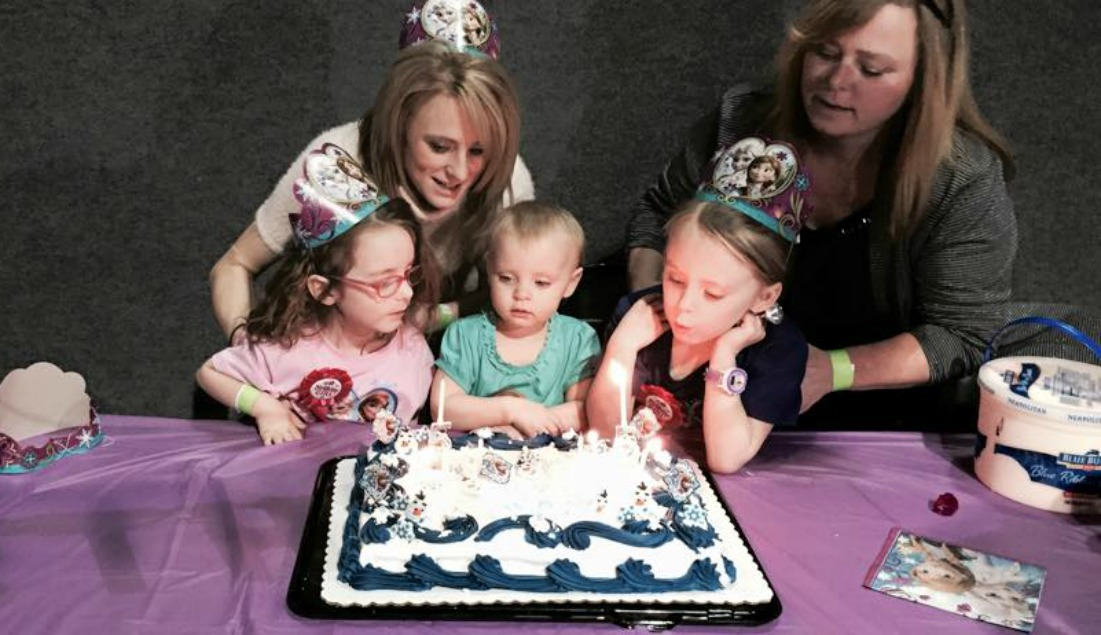 Ali & Aleeah's Frozen 5th Birthday Party! See All thePhotos!